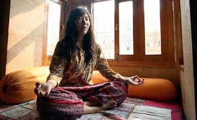 Practicar yoga en Nueva Delhi y aprender inglés al tiempo es posible