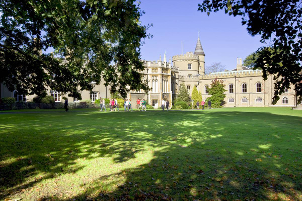 Una estancia en St Mary's College aúna todo el encanto del Londres más tradicional con el más moderno