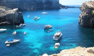 Malta es perfecta para aprender inglés y para practicar deportes acuáticos